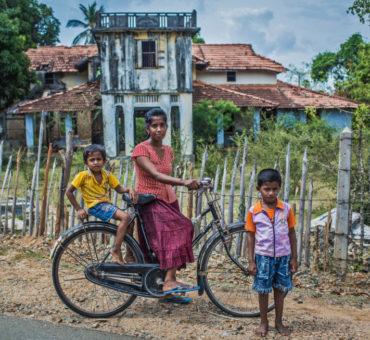 Abandoned mansion left by their owners at Jaffna-Kayts Rd, Kayts, Jaffna – Sri Lanka