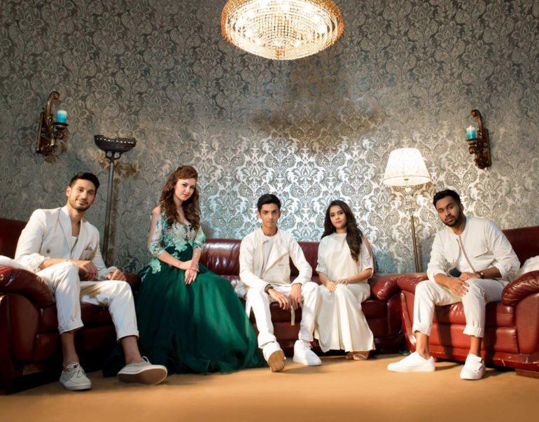 promotional music video for Sirikkadhey